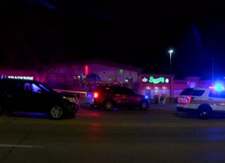 Three people killed in shooting at Illinois bowling alley